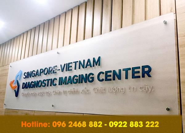 lam backdrop le tan tai ha dong