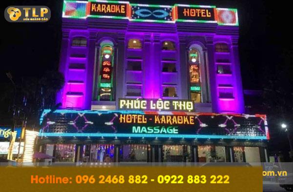 bien-quang-cao-massage-karaoke