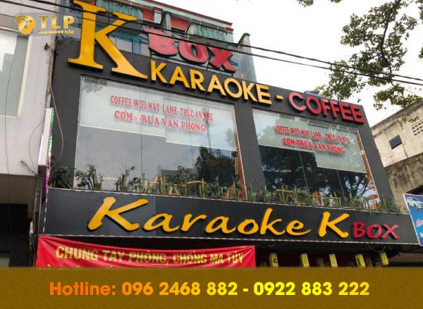 bien-quang-cao-chu-noi-karaoke